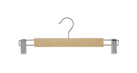 Κρεμάστρα ξύλινη με μανταλάκια σε ανοιχτόχρωμη