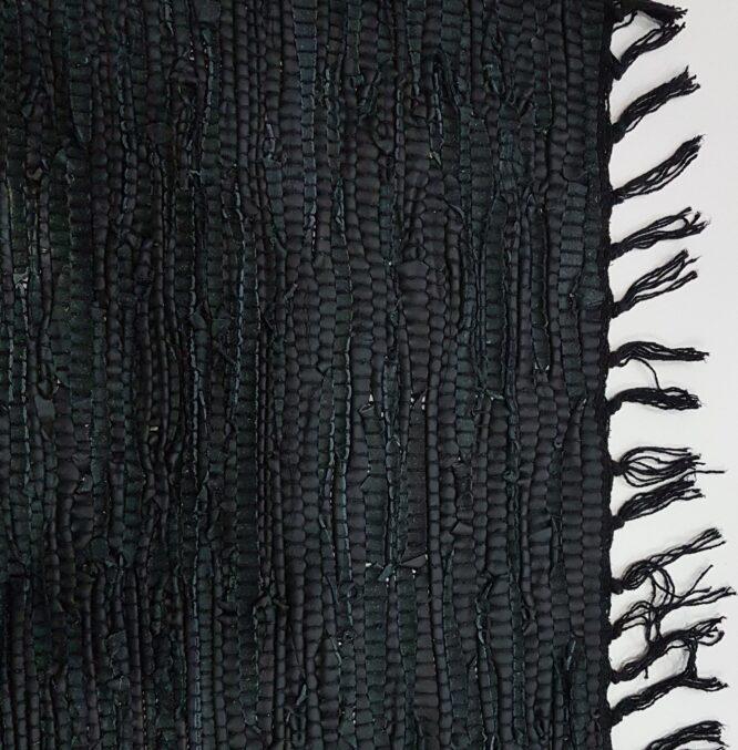 Χαλί τζακιού δερμάτινο άκαυστο μαύρο χρώμα πλεκτό από πραγματικό δέρμα για το τζάκι διάσταση 70χ140